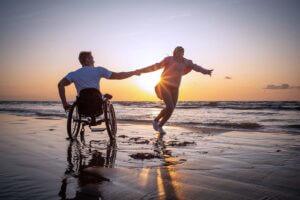 Glücklich im Rollstuhl